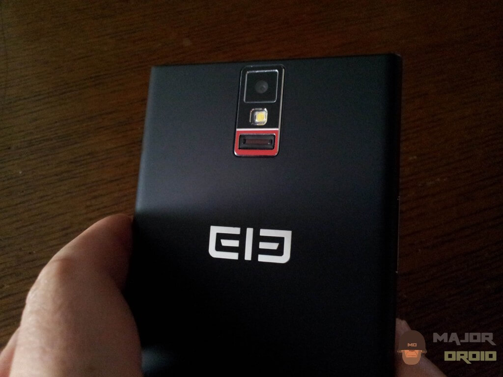 Elephone P2000 back side