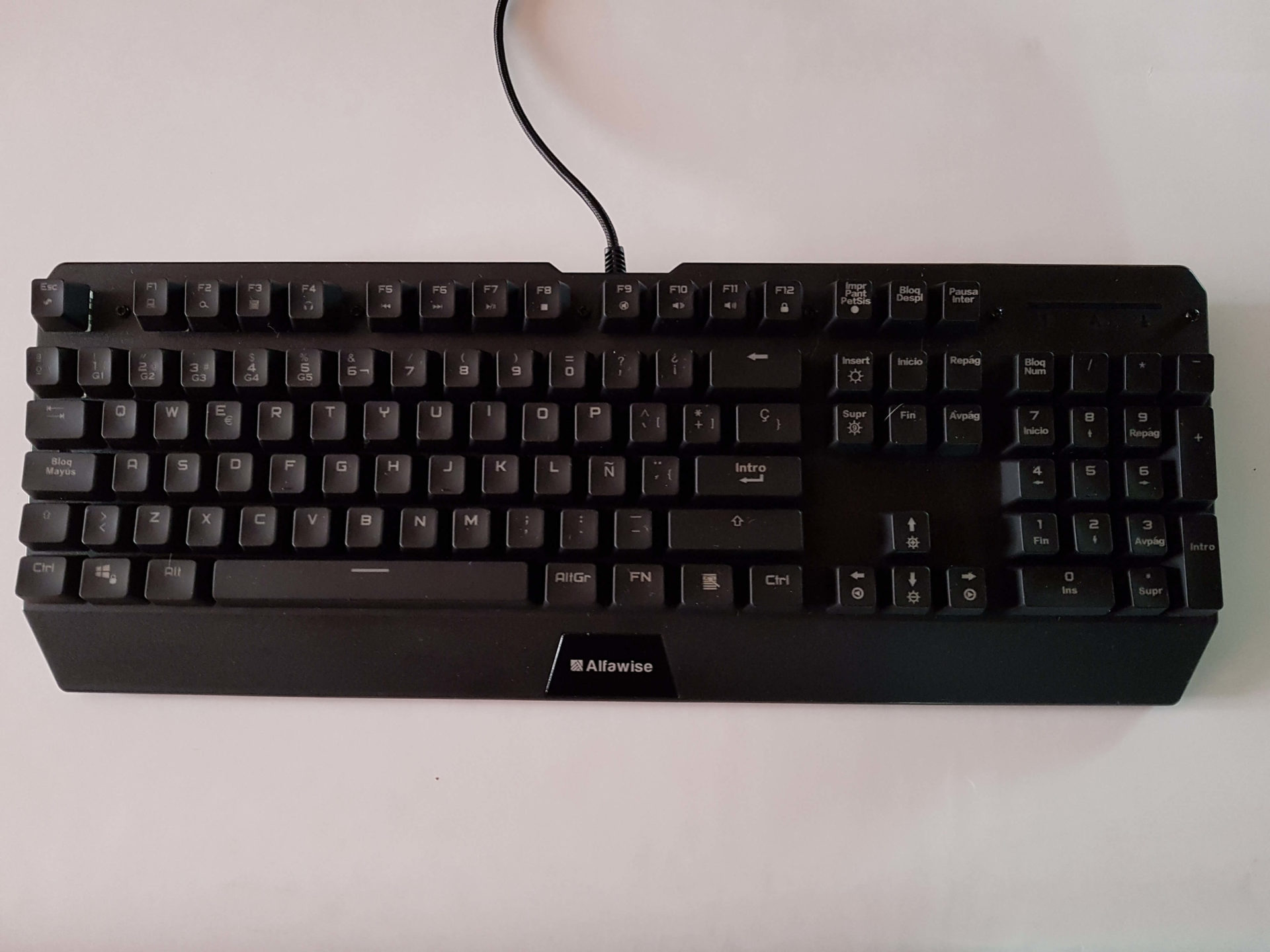 Alfawise V1 Review Cheap Gaming Mechanical Keyboard With