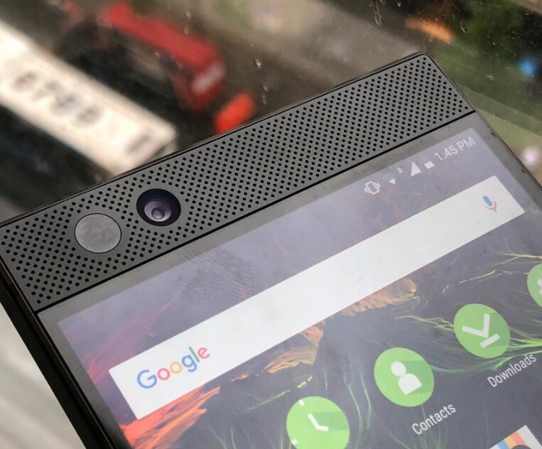Article photo: Razer smartphone-02
