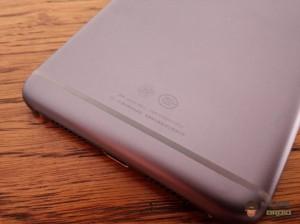 Lenovo-S90-Sisley-back-side
